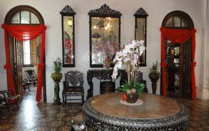 Carreaux de ciment intérieur de la maison verte, Malaisie. Pièce d'attente.