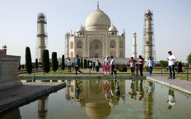 Une construction symétrique caractérise le mausolée