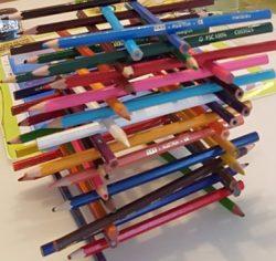 Construction avec crayons de couleur